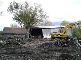 Photo of Barn Demolition and Dismantling (Before)