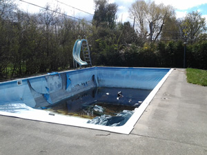 Photo of on old swimming pool